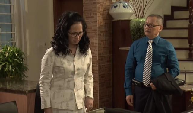 Bà Phương cãi nhau với chồng vì cho rằng ông có quan hệ mờ ám với nhân viên. Bà Phương nghi ngờ chồng lăng nhăng