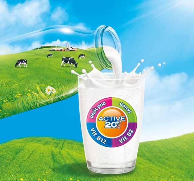 Công thức dinh dưỡng đơn giản mà hiệu quả của các gia đình năng động là bổ sung 3 hộp sữa Cô Gái Hà Lan Active 20+™ mỗi ngày