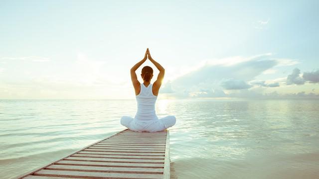 Tập yoga tốt cho cả thể chất lẫn tinh thần. Ảnh: Sportscene