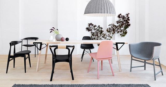 Sự xuất hiện của gam màu pastel duy nhất không khỏi khiến nó trở thành tâm điểm chú ý của bộ bàn ăn.