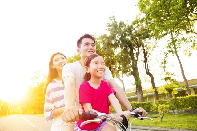 Trong bất cứ hoạt động nào, hãy tạo không khí thoải mái và tinh thần tích cực cho cả nhà