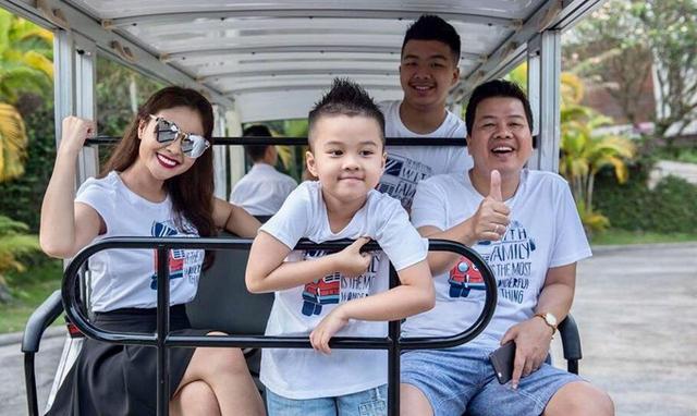 Tổ ấm của vợ chồng Đăng Dương với hai con trai.