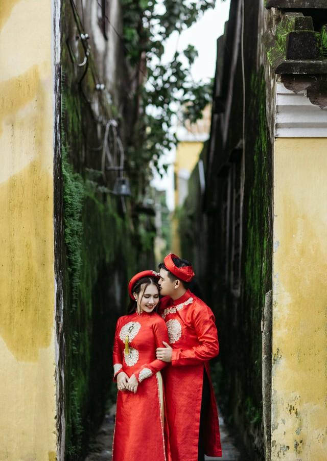 Võ Thanh Hòa cho rằng vợ chồng làm cùng nghề không phức tạp mà ngược lại dễ dàng chia sẻ và hiểu cho những khó khăn của nhau. Chúng tôi đều có điểm chung là hết mình cho công việc nhưng gia đình vẫn phải đặt lên hàng đầu. Cô ấy cho tôi cảm giác bình yên khi ở bên, anh nói.