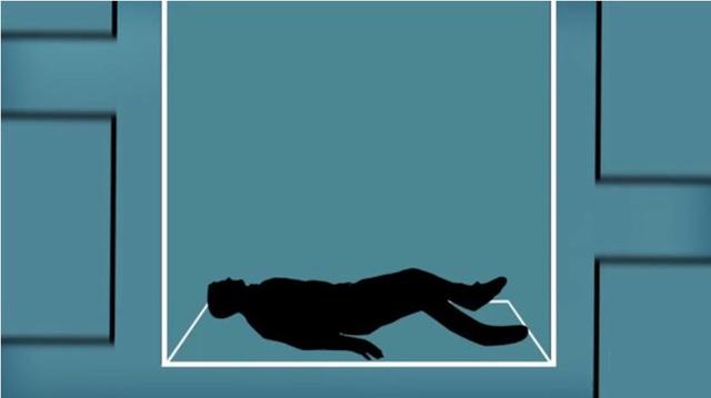 Hãy nằm ngay xuống sàn khi cảm giác thang máy bắt đầu rơi xuống.