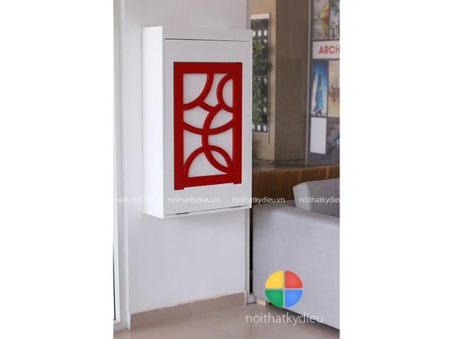 Một chiếc bàn sử dụng cho nhiều mục đích: Bàn học, bàn làm việc hay bàn ăn lại có thể gắn gọn trên một bức tường vừa có giá trị sử dụng vừa làm sản phẩm trang trí cho ngôi nhà, đây đúng là một ý tưởng rất thông minh.