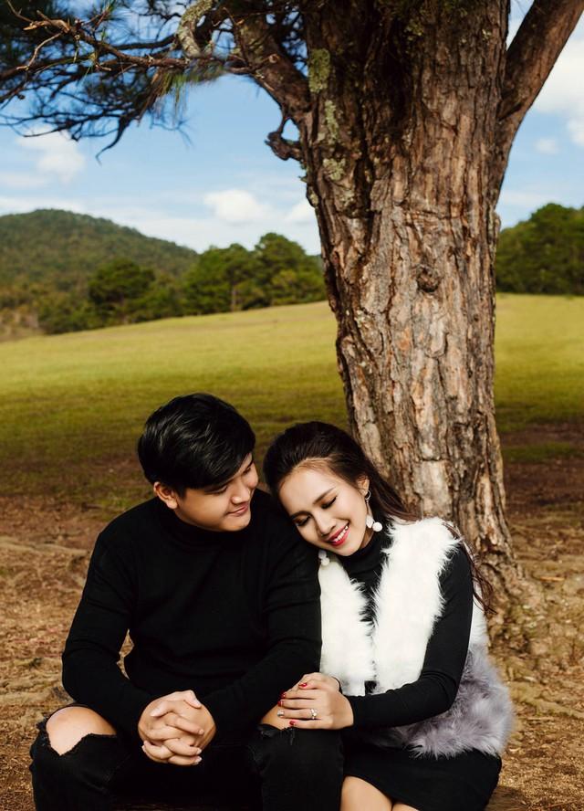 Võ Thanh Hòa thừa nhận trong hai năm yêu, cả hai có nhiều kỷ niệm ngọt ngào song cũng có không ít sóng gió. Tuy nhiên cặp đôi nhanh chóng vượt qua nhờ tính tình hài hước, không giận lâu.