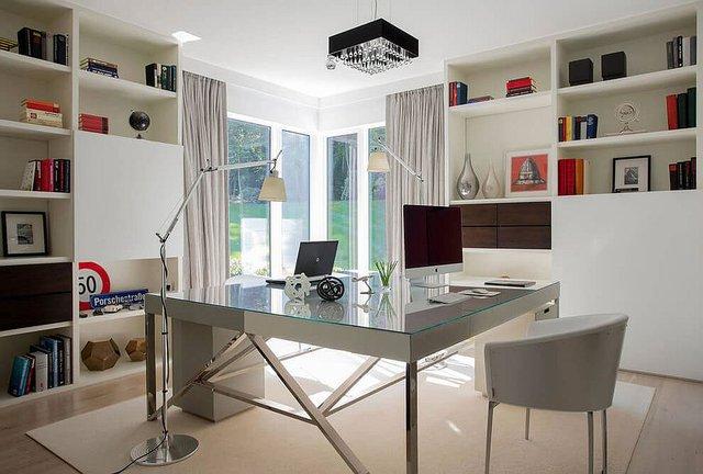 Phòng làm việc đặt tách biệt và riêng tư.