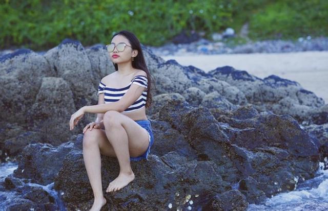 Thời trang đi biển của Mỹ Chi khiến cô bé vấp phải không ít bình luận tiêu cực.