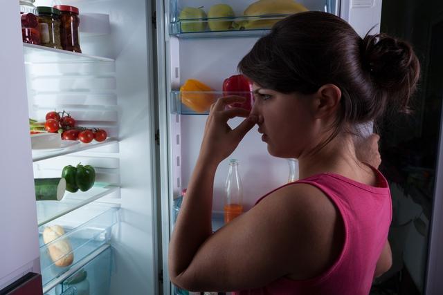 Bạn đã bao giờ phải xử lý các đồ ăn đồ ăn bị lẫn mùi ngay trong tủ lạnh nhà mình chưa