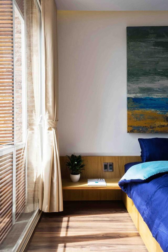 Phòng ngủ thiết kế thoáng đãng.