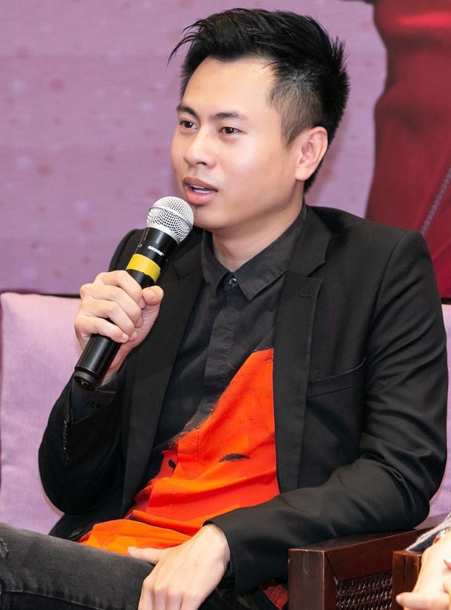 Dương Cầm cho rằng Hongkong1 làm nhạc khá nghiệp dư.
