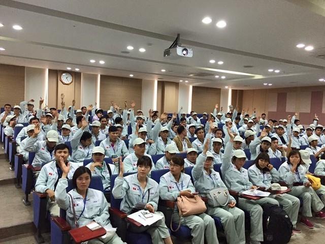Lao động Việt Nam có chớp được cơ hội từ chính sách đặc biệt của Hàn Quốc hay không đang là bài toán khó với cơ quan quản lý. Ảnh: dolab
