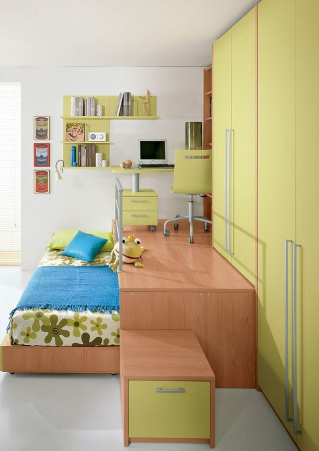 Phần giật cấp có thể tùy thuộc vào diện tích của căn phòng. Khi trần cao hơn một chút, bạn có thể kết nối phần tủ đựng đồ, khu vực giật cấp để bố trí thêm chức năng và gắn liền với giường tạo khu vực chức năng liên hoàn cho phòng của bé.