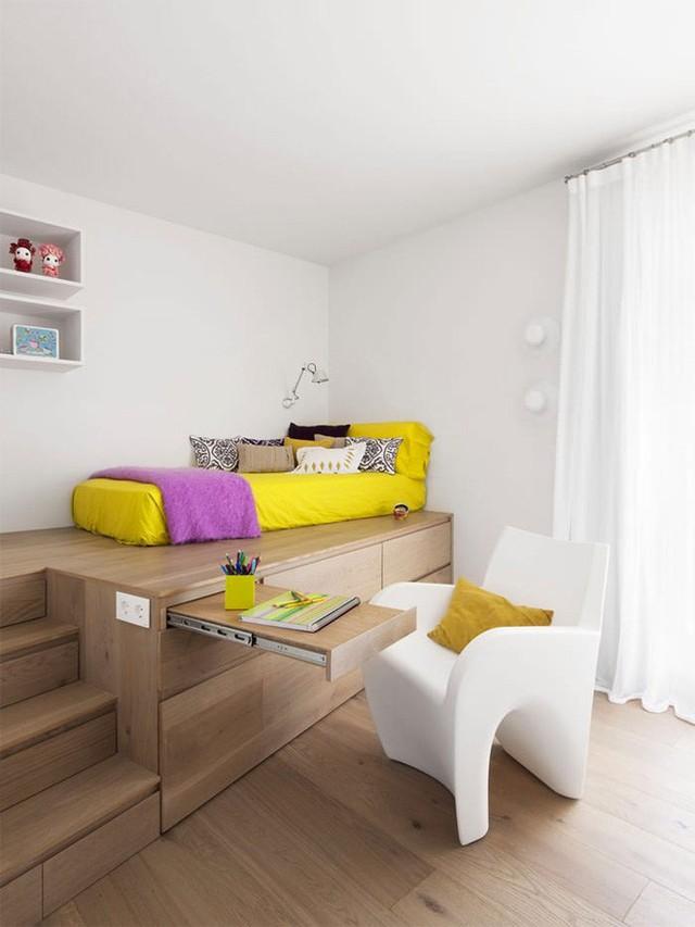 Một không gian có thể được sử dụng với nhiều chức năng và vẫn có được khoảng sàn rộng thoáng giúp căn phòng đẹp mắt và thoải mái hơn khi sử dụng.