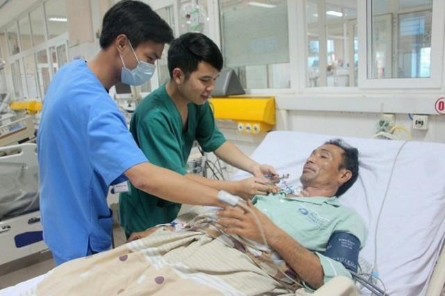 Sau khi được bác sĩ Bệnh viện ĐK Bãi Cháy cứu sống, hiện tại sức khỏe bệnh nhân đã ổn định. Ảnh: M.Thảo