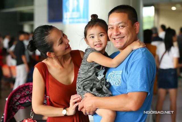 Vợ chồng Kim Hiền đã chung sống hơn 4 năm. Nữ diễn viên tâm sự, cô rất hài lòng với cuộc sống hiện tại ở Mỹ và chưa có ý định về nước hoạt động.