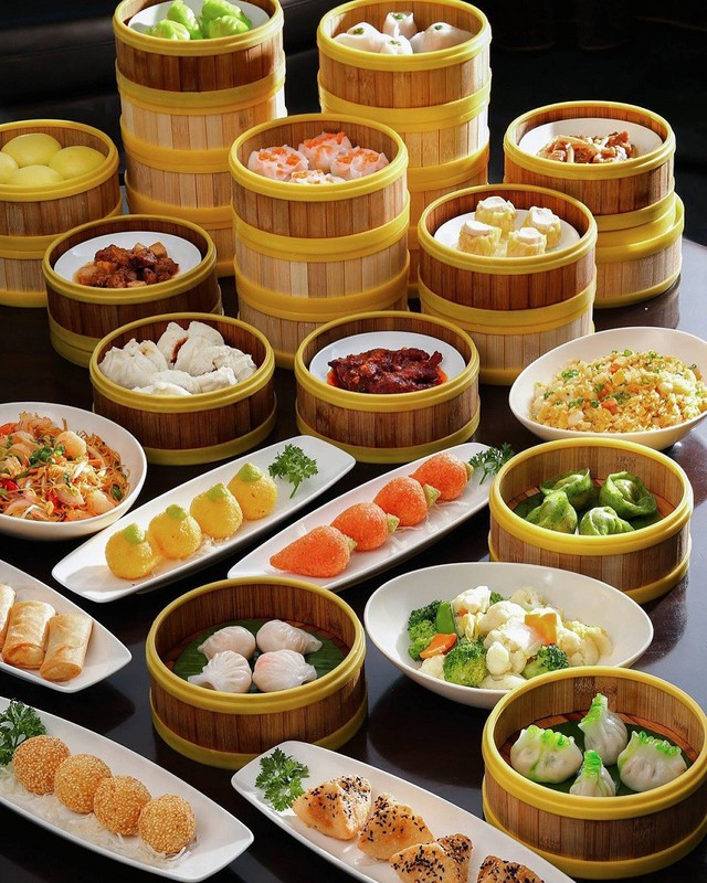 Quán chuyên phục vụ đồ ăn Trung Hoa nên món chủ đạo là dimsum với đầy đủ các loại từ chiên đến hấp, từ rau, thịt đến hải sản… Ảnh: @panpacifichanoi.