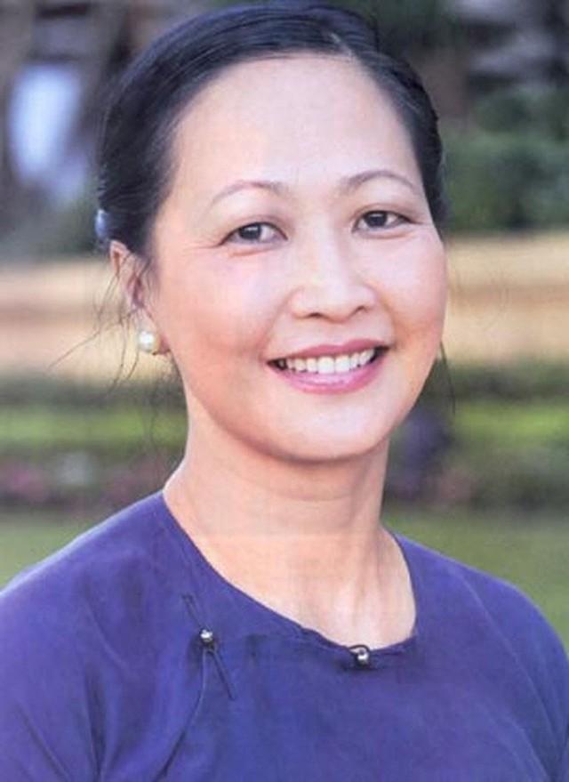"""Vốn là một thiếu nữ Hà Nội gốc, NSND Như Quỳnh luôn được xem là """"biểu tượng"""" của vẻ đẹp và cốt cách của con người Tràng An."""