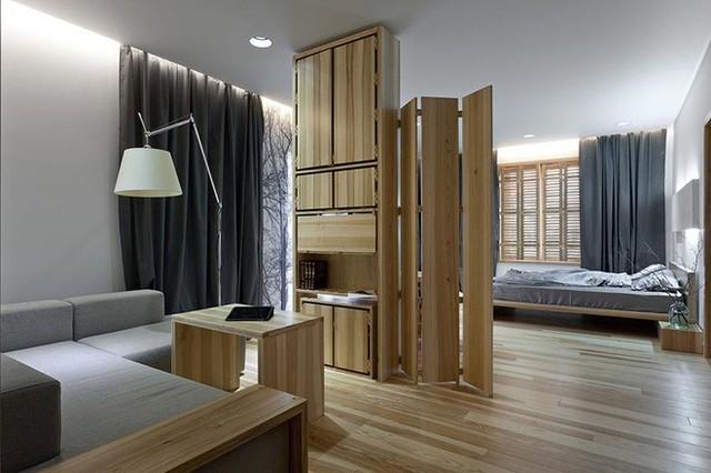 Những chiếc giường được làm từ gỗ luôn là một phần không thể thiếu của căn phòng ngủ.
