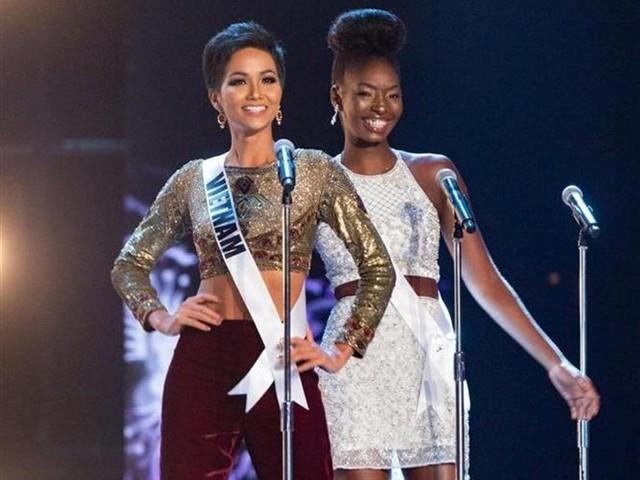 Hhen Niê tự tin tỏa sáng tại Miss Universe 2018.