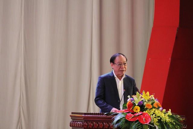 Ông Nguyễn Đình Khương, Phó Tổng Giám đốc bảo hiểm xã hội Việt Nam phát biểu tại chương trình.