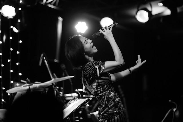 Thu Minh đam mê âm nhạc và truyền tải tình yêu ấy đến thế hệ ca sĩ trẻ.