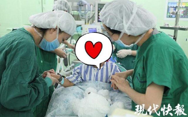 Bé gái 3 tuổi là bệnh nhân mắc bệnh ung thư vú trẻ tuổi nhất