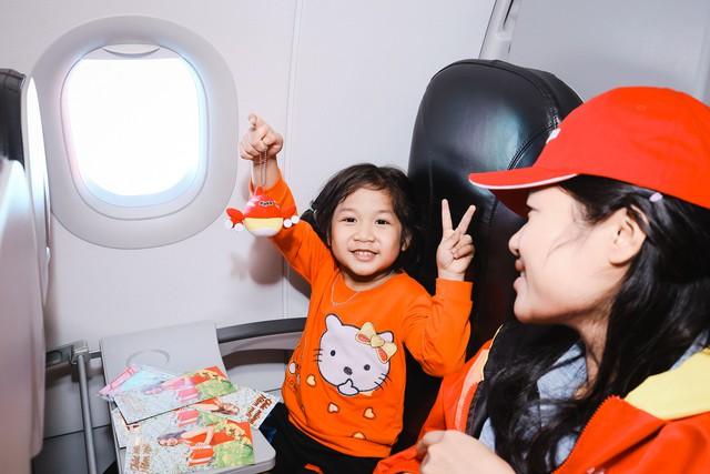 Niềm vui trên chuyến bay ý nghĩa ngày cuối năm.
