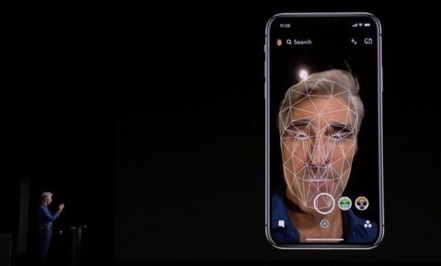 Apple sẽ trang bị Face ID trên tất cả phiên bản iPhone 2018. Ảnh: Phone Arena.
