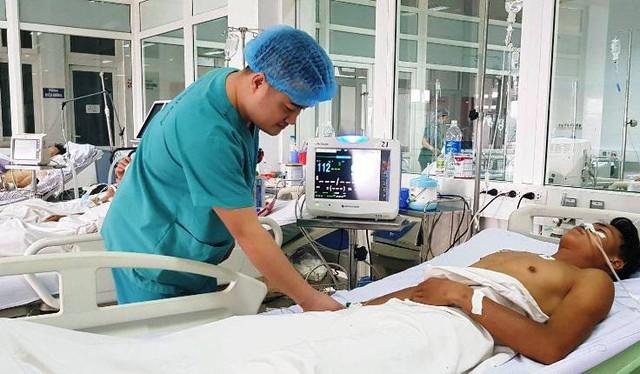 Nạn nhân Khăm được điều trị tại Bệnh viện hữu nghị Đa khoa Nghệ An.