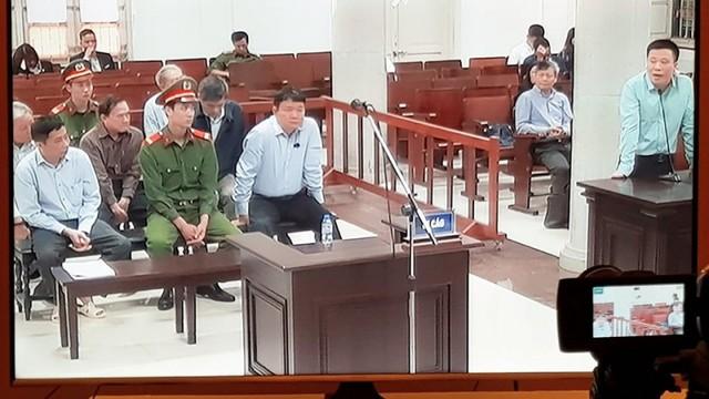 Hà Văn Thắm tham gia phiên tòa với vai trò làm chứng (ảnh chụp màn hình)
