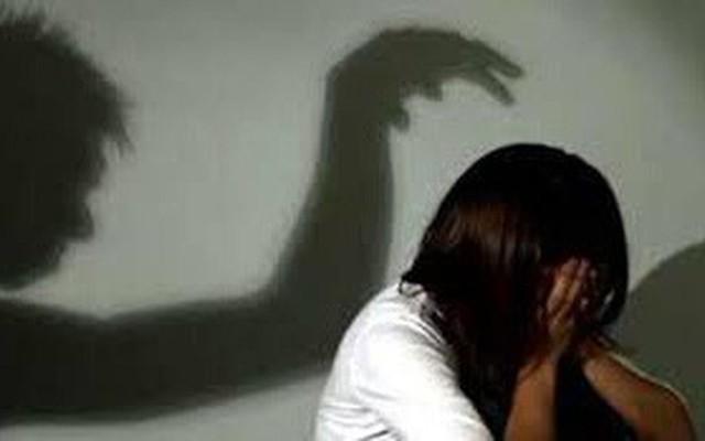 Cô gái trẻ bị nam thanh niên mới quen hiếp dâm. Ảnh minh họa