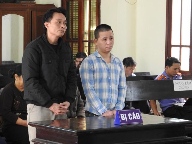 Đối tượng Cao Xuân Soa và Nguyễn Thái lâm tại tòa.