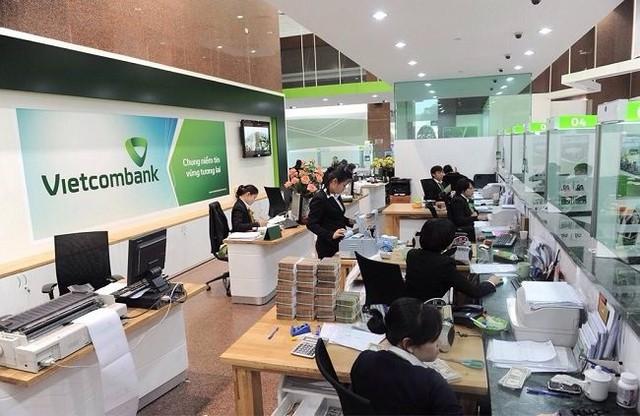 Vietcombank điều chỉnh phí là để chia sẻ với khách hàng?