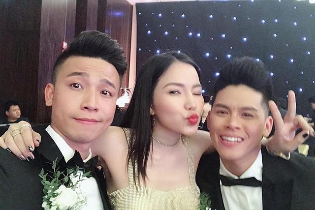 Lý Phương Châu đi dự cưới Nhiệm Huỳnh (trái) - John Huy Trần.