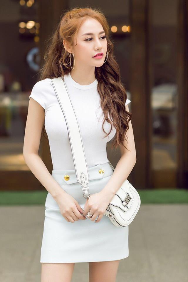 Linh Chi hiện tại tập trung vào việc kinh doanh và đây cũng là nguồn thu nhập chính của cô.