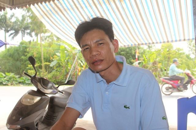 Anh Phạm Văn Cương kể lại lúc phát hiện sự việc. Ảnh: Đ.Tùy
