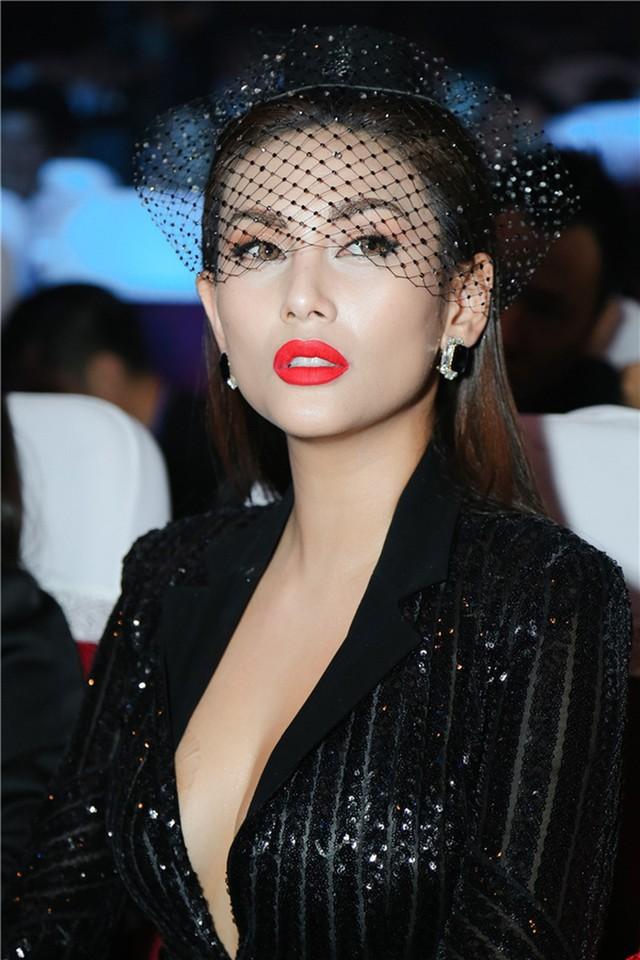 Võ Hoàng Yến từng nói người xứng tầm làm mentor phải có chuyên môn người mẫu.