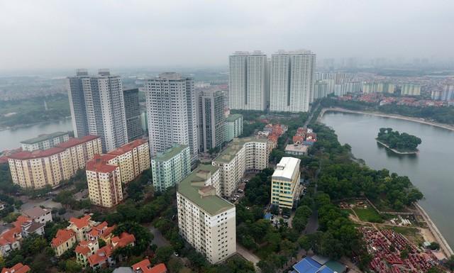 """Từng là khu đô thị được công nhận là kiểu mẫu, nơi đáng sống, nhưng hiện nay Linh Đàm đã """"vỡ trận"""" quy hoạch. Ảnh: Anh Tuấn"""