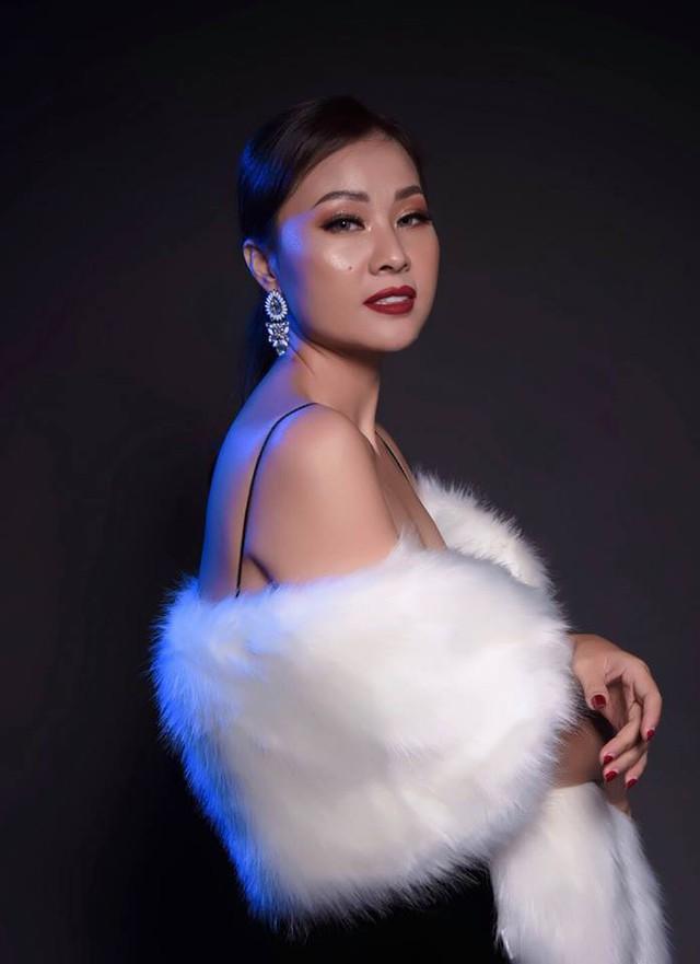 Tôi là người rất yêu thời trang, rất thích sexy nhưng thích thế thôi chứ tôi không có cái tính đong đưa, thả thính..., vợ ca sĩ Đăng Dương chia sẻ.