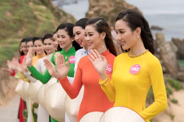 Người đẹp Hoa hậu Việt Nam 2018 được nhiều du khách chú ý