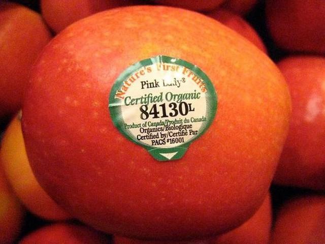 Trái cây có mã code bắt đầu bằng số 8 - trái cây biến đổi gen. Nguồn: Internet