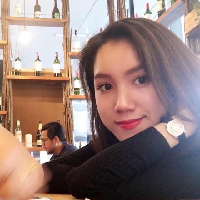 Cô gái 27 tuổi có phần cá tính, hiện đại hơn chị gái Thùy Lâm. Đầu năm 2016, Thùy Linh tổ chức đám cưới. Chồng 9X là phi công điển trai. Hiện đôi trẻ có với nhau một cậu con trai kháu khỉnh.