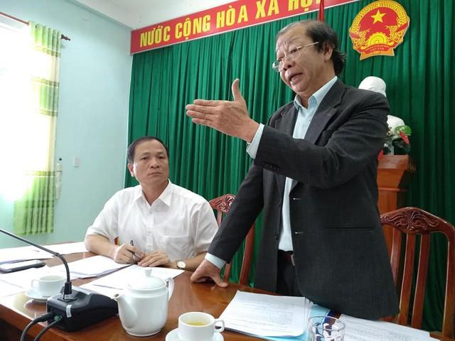 Ông Lê Hữu Túc (đứng) - Phó Chủ tịch UBND, Trưởng ban chỉ đạo công tác Dân số huyện Đơn Dương cho biết: Công tác DS-KHHGĐ luôn được coi là bộ phận quan trọng trong sự phát triển kinh tế - xã hội của địa phương.