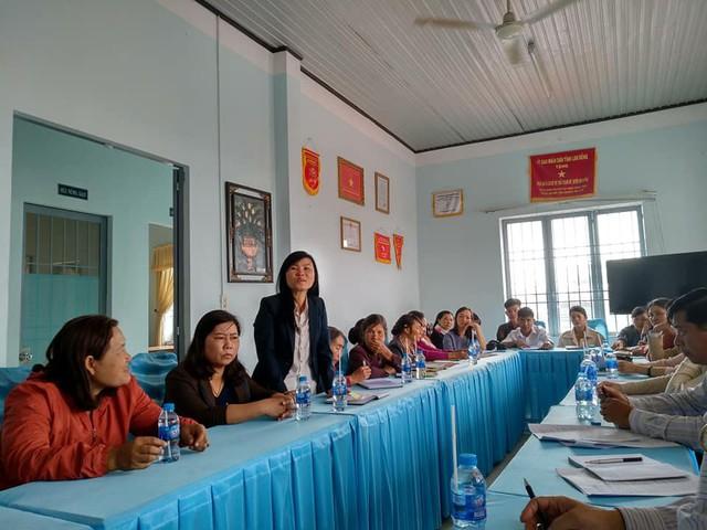 Các cán bộ và cộng tác viên dân số huyện Đơn Dương chia sẻ về công tác dân số.