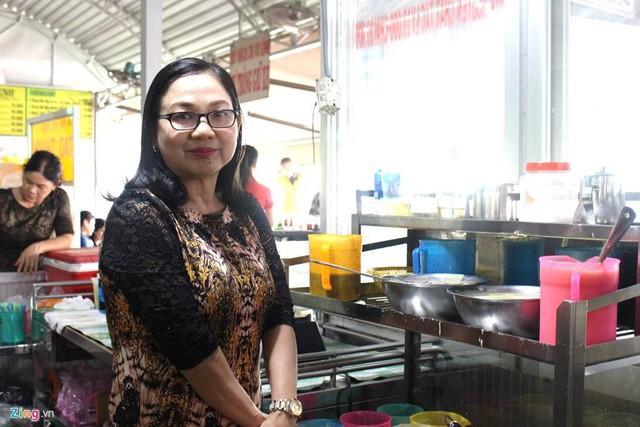 Mặc dù kinh doanh hiệu quả, bà Mai Thị Nền (chủ quán) cho hay không có ý định mở cửa hàng ở nội thành.