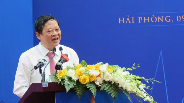 Thứ trưởng Bộ Y tế Nguyễn Viết Tiến chúc mừng sư ra đời của Vinmec Hải Phòng, góp phần vào sự thay đổi và phát triển hệ thống y tế trong nước