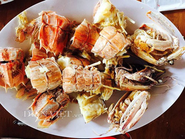 Thịt tôm tích ngọt, béo và chắc nên được nhiều người lựa chọn món nướng hoặc luộc để giữ nguyên hương vị. (Ảnh: Chúc Ly).