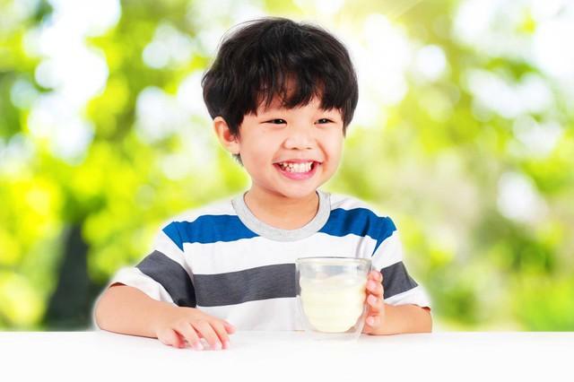 Bổ sung dinh dưỡng đầy đủ giúp trẻ tốt về thể chất và trí tuệ