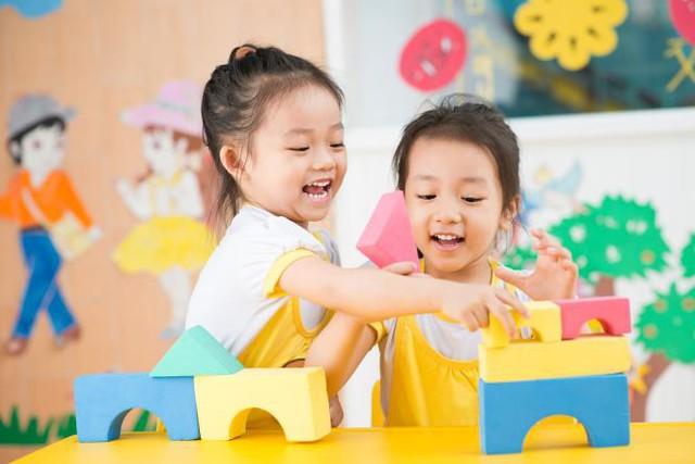 Trò chơi trí tuệ giúp trẻ phát triển tư duy logic.
